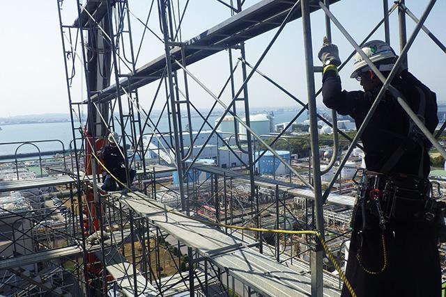 新築工事の足場組立